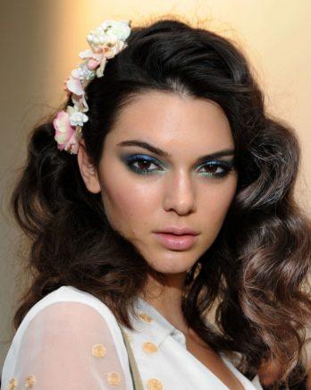 Göz Makyajında Mavi Far Nasıl Kullanılmalıdır?