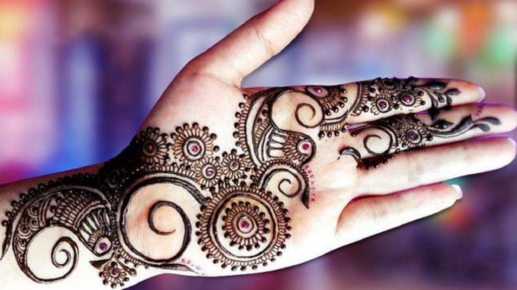 Hint Kınası ile İlgili Tüm Bilgiler - Evde Doğal Hint Kınası Nasıl Yapılır?