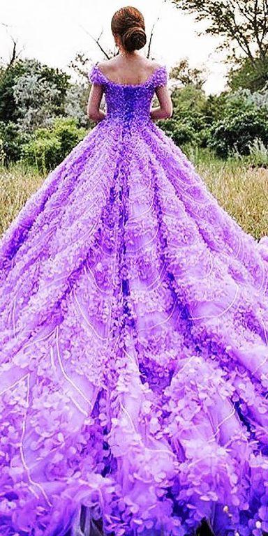 Renkli-düğün-elbiseleri - Michael Cinco