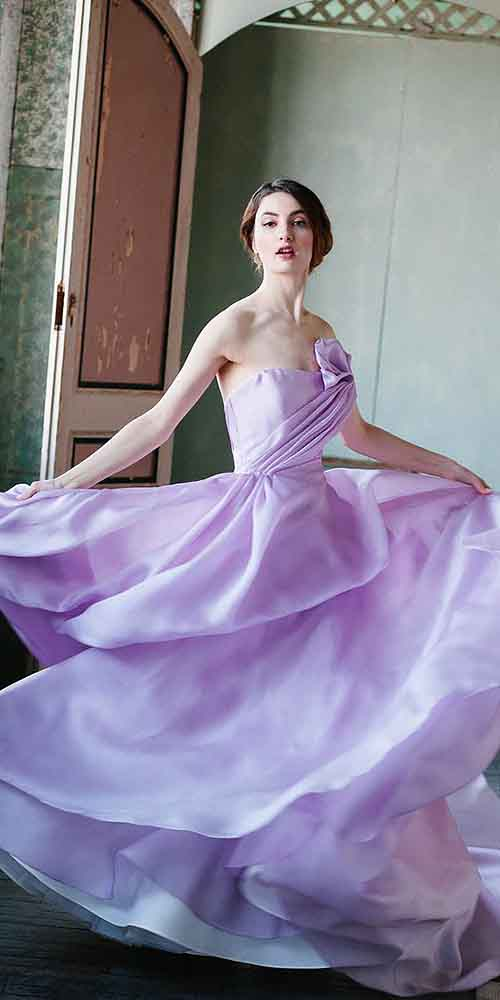 Fark Yaratmak İsteyen Gelinlere Özel 30 Muhteşem Renkli Gelinlik Modeli