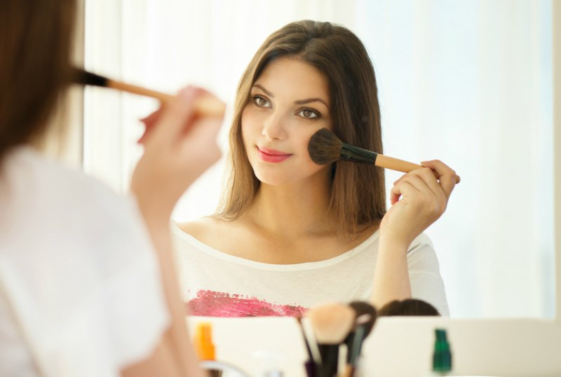 İlk Buluşma Makyajı ve Uygun Fiyatlı Ürün Önerileri