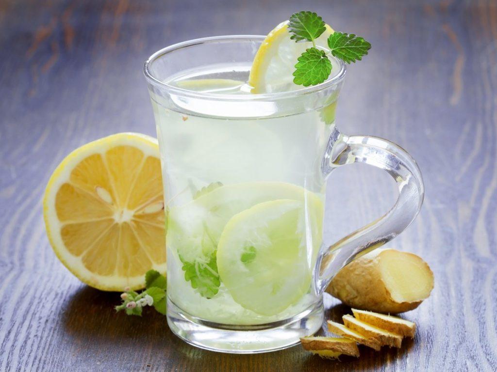 Limonlu Su İçmenin Mucizevi Faydaları