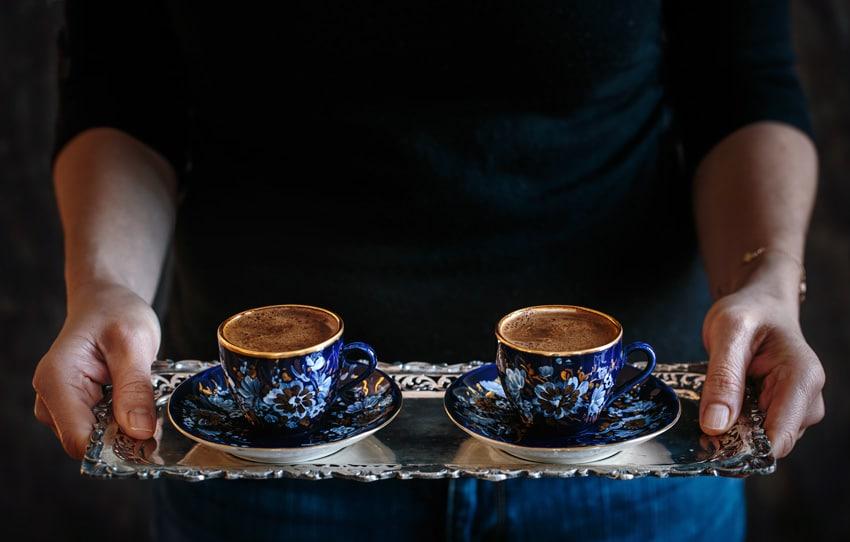Evde Türk Kahvesiyle Maskeler