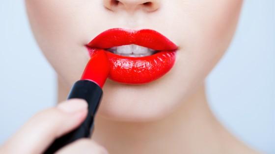 Yılbaşı Makyajınız İçin En İyi 5 Kırmızı Ruj Önerisi