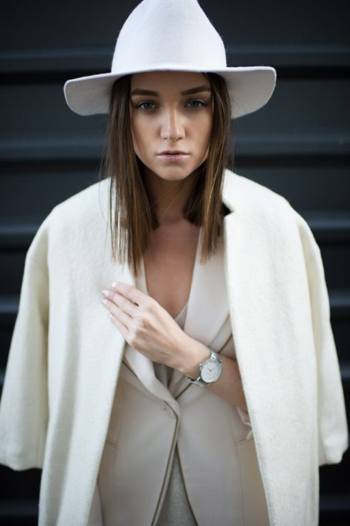 Kim Demiş Beyaz Renk Kışın Giyilmez Diye?
