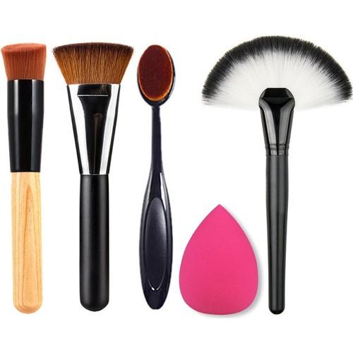 İndirimdeyken Hangi Makyaj Fırçasını Almalısınız?