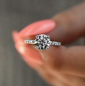 Yoksa Evlilik Teklifi Mi Bekliyorsun?