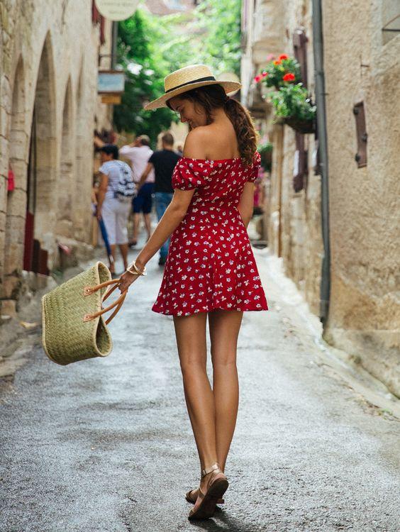 Tatil Yöreleri Gezilerinde Ne Giymeli?