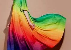 Tatilde Gökkuşağı Renginde Giyinmek