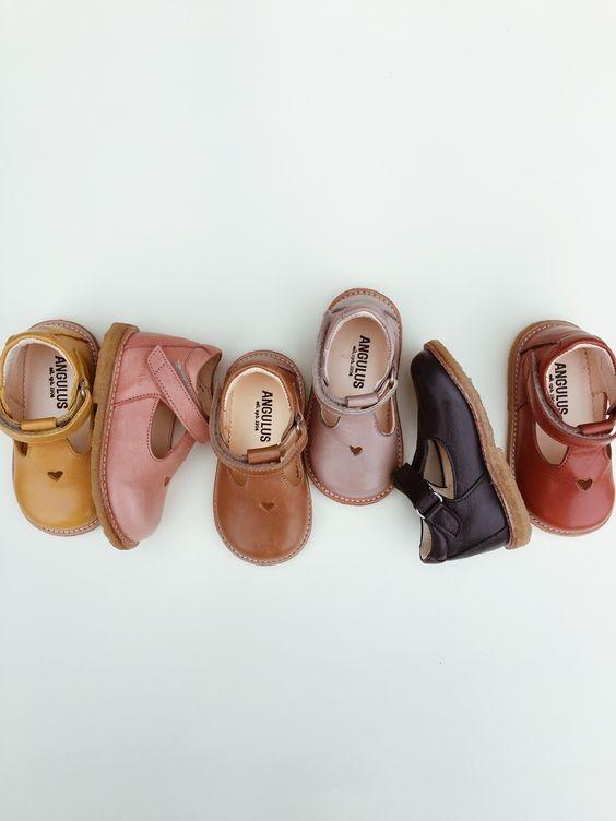 Çocuk Ayakkabısı Seçerken Nelere Dikkat Etmeliyiz?